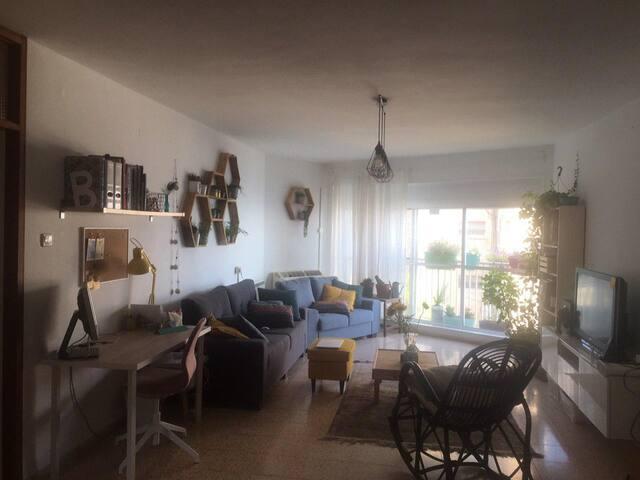 Spacious apartment in Hadar