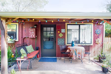 Boho Bungalow - rare find central to everything!