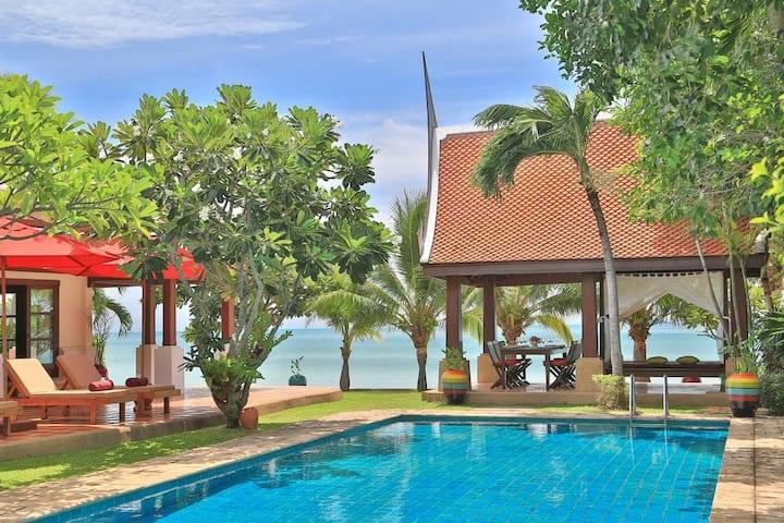 Beachfront Koh Samui Villa