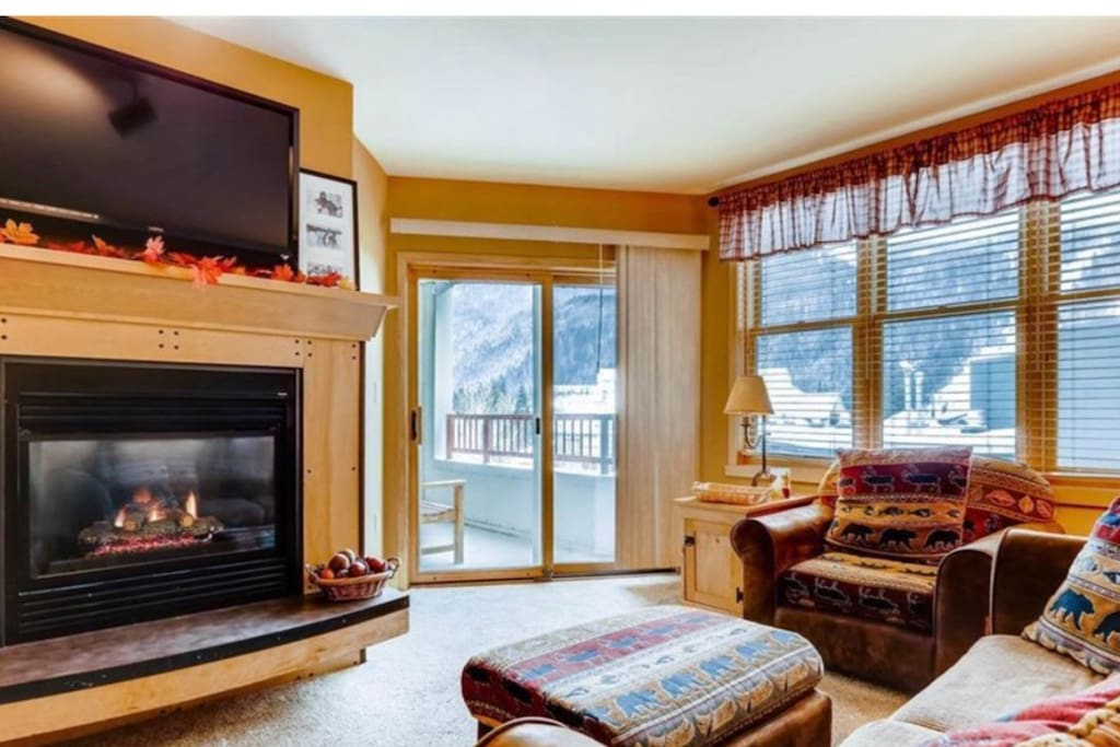 Living room with view of the slopes