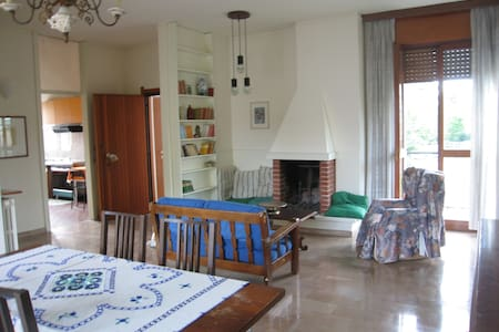 In a semi-detached house near Milan - Trezzano sul Naviglio