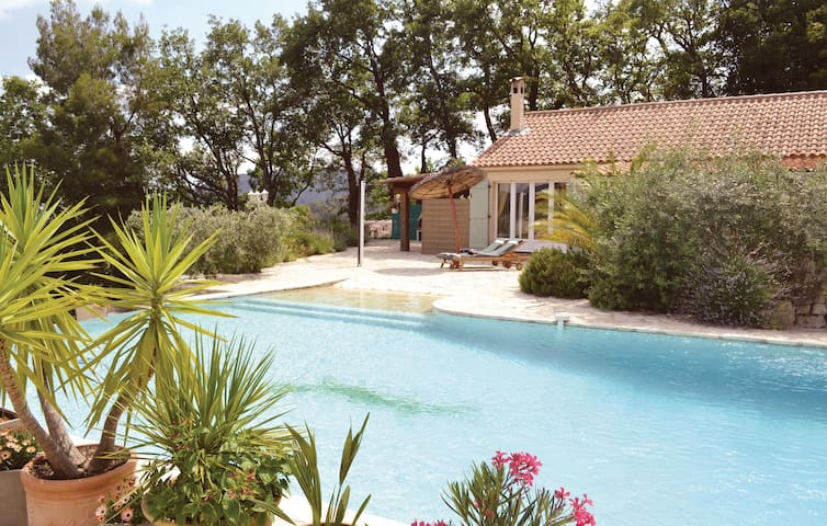 Semi-Detached with 2 bedrooms on 100m² in Bargemon