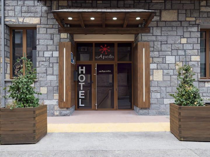 Hotel Apolo, habitacion individual, en Ainsa