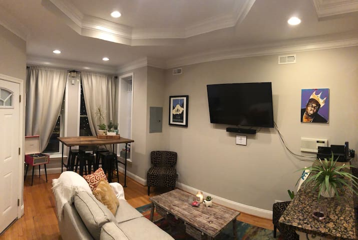 It was all a Dream - 1 BR 1 BA in the heart of DC