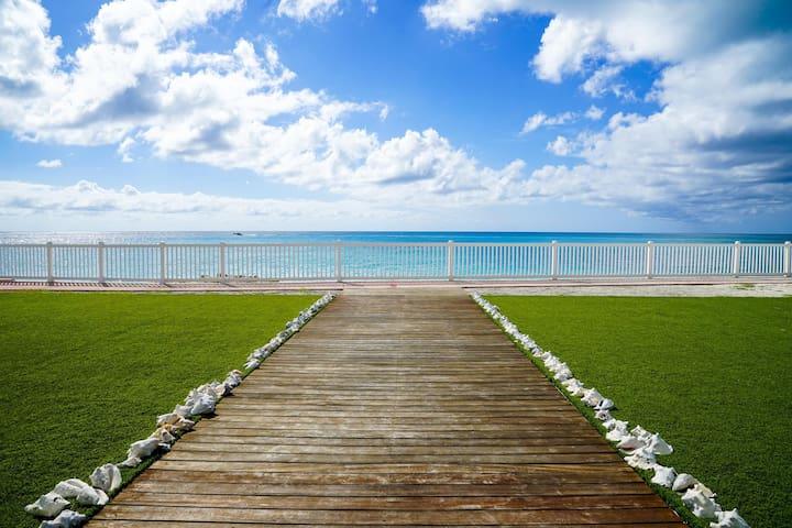Sunset Paradise Beach Villa with a 60' boat slip