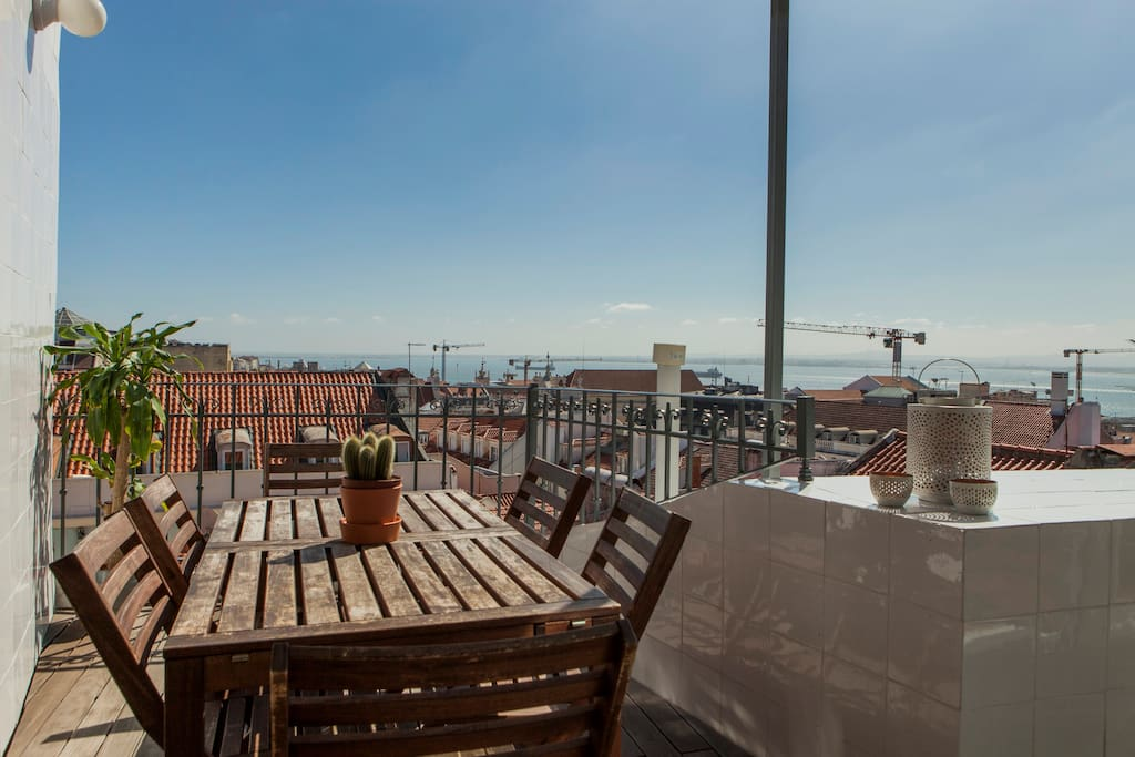 Chiado terrace scenic river city view ac 4bedrooms flats for The terrace top date