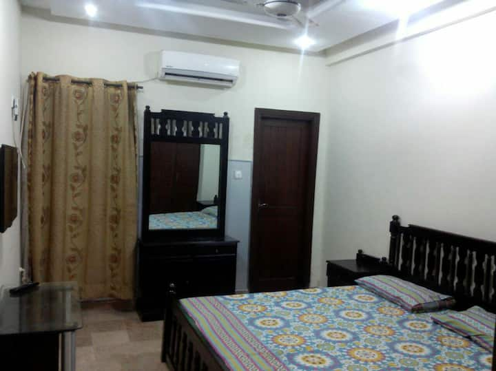 1 bed furnished apartment bahria islb