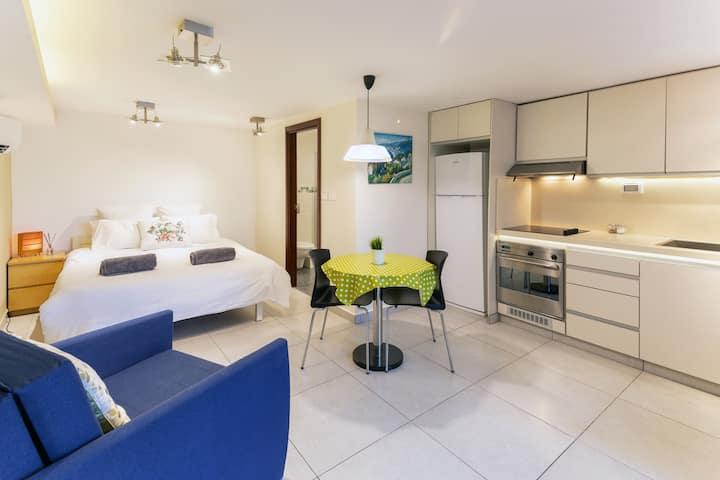 Quiet Apartment In Beit Safafa