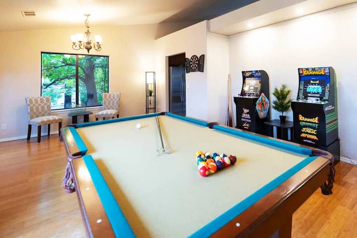 🕹ARCADE-IA❤️ Sleeps 10, near Bethel. Pool 🎱 Lake 🌊