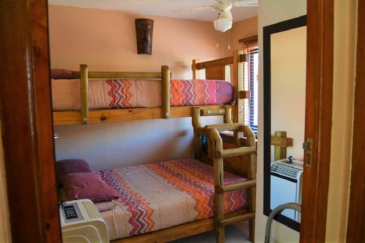 Second bedroom - tribunk