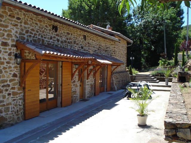 Gîte proche Lyon et des vignobles - Chuyer - Casa