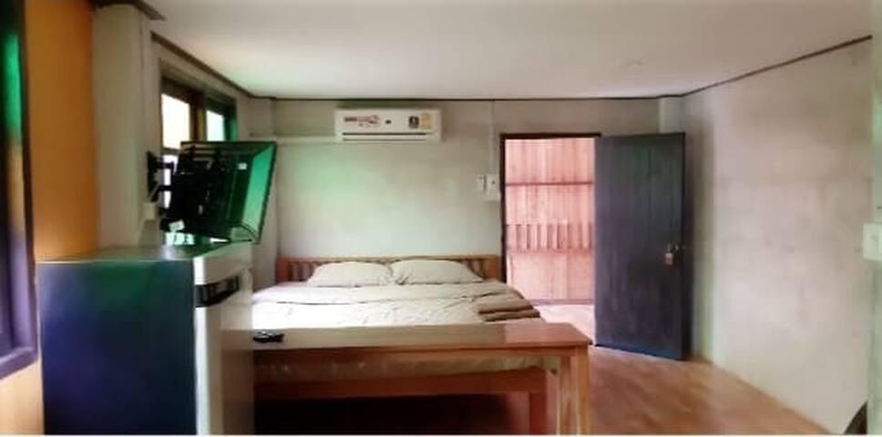 ห้องนอนเตียงเดี่ยว(double bed)  นอนได้ 2 คน