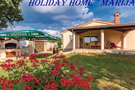 "Holiday home ""Marija""  , Šišan , Medulin - Šišan - House"