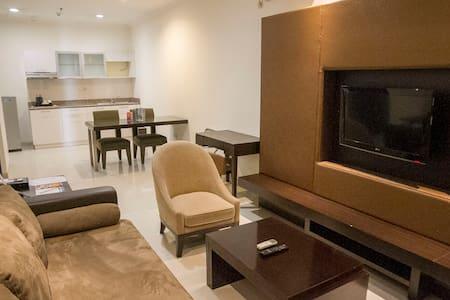 Modern & Spacious Apartment at Strategic Location - Kebayoran Lama - Hotellipalvelut tarjoava huoneisto