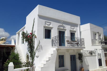 Traditional two-storey house - Naxos - House