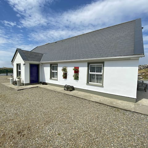 Wild Atlantic Way Fanore - 11 Guest Loft Apartment