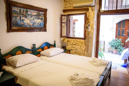 Luxury in the heart of old Town ! - Chania - Daire