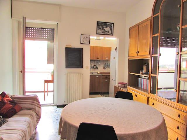 Luminosa stanza privata alle porte di Torino