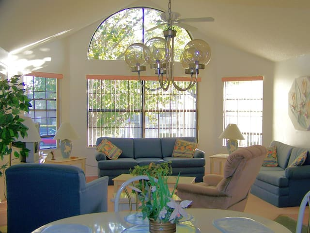 Disney area 3 bedroom Villa-Condo in Kissimmee
