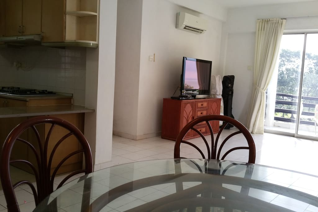 Dinning, Kitchen,  TV opp  sofa