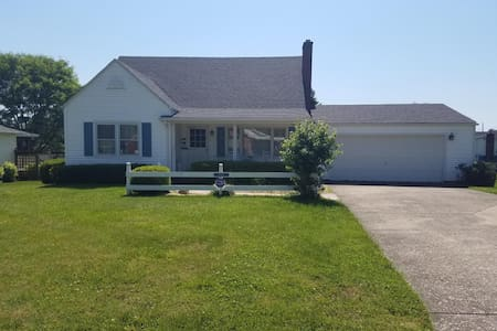 Ashland 4br/3ba well kept fully Furnished Home.