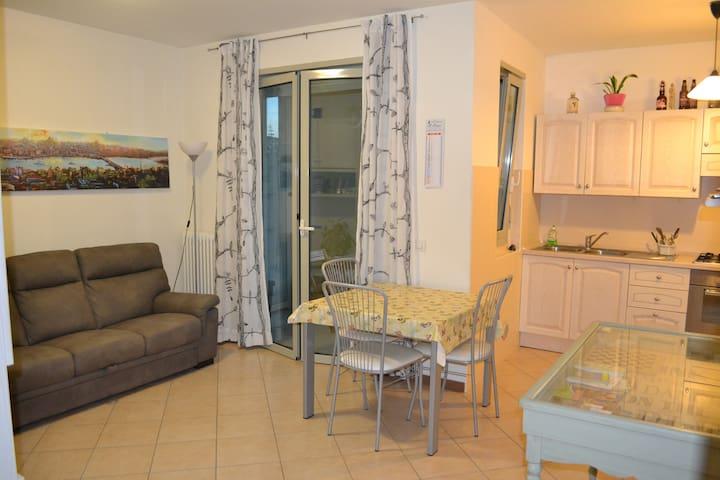 Stanza privata vicino al centro/Private doubleroom - Faenza - Apartment