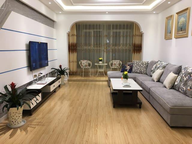 凉都憩苑2(免费停车,明湖路滨河苑)