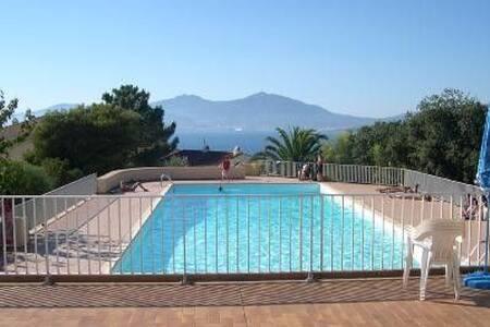 Charmant F2 vue sur le golf d'Ajaccio - Pietrosella