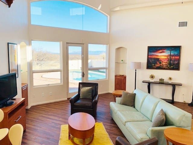 LUXURY MODERN Sierra Vista home w/ Private Pool