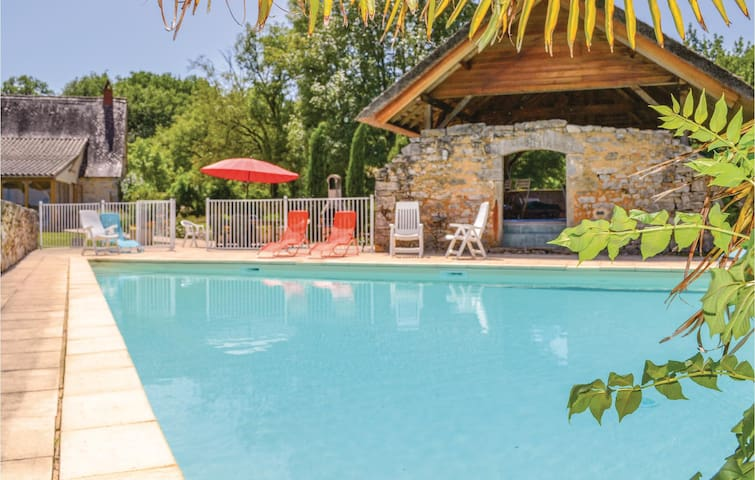Holiday cottage with 5 bedrooms on 260m² in Padirac/Bascoul