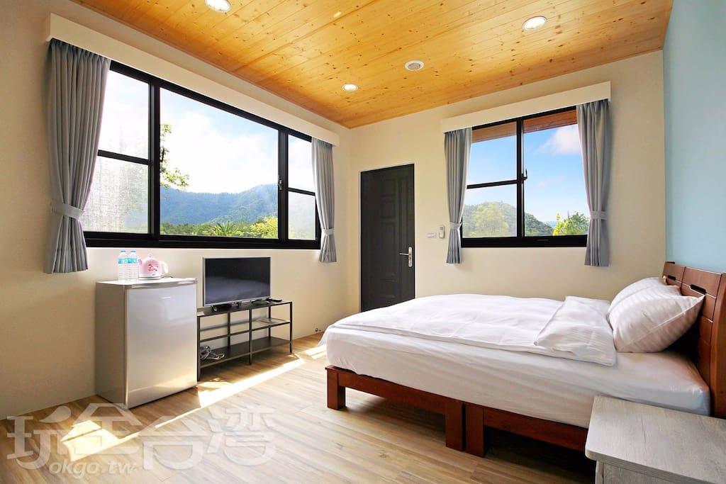 房間窗戶景觀