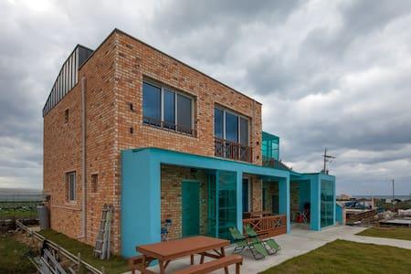 挟才海水浴场、翰林、、涯月邑分校突然한담동的연화지10分钟以内的可以去的15坪的新建公寓 - Hallim-eub, Jeju-si