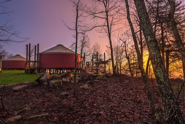 Cliff side Yurt Maple Lookout Mountain Chattanooga