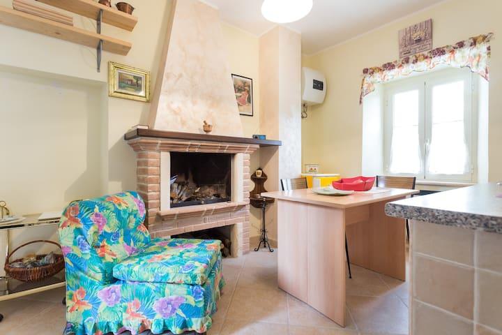 Delizioso appartamentino panoramico - Poggio Bustone - Casa