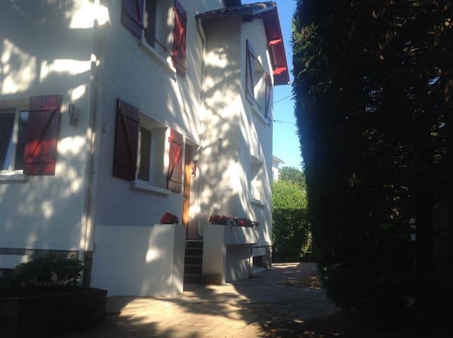 VILLA LES PINS.     Studio moderne bord de mer - La Baule-Escoublac - Apartment