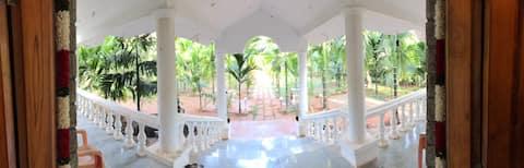 Cozy Two bedroom Farmhouse near Varuna Mysore