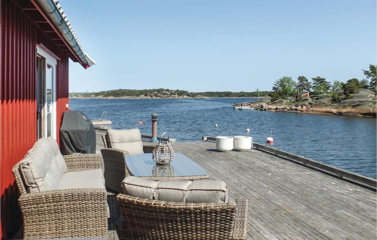 Holiday cottage with 3 bedrooms on 72m² in Vesterøy
