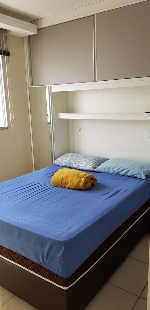 Apartamento confortável, seguro e bem localizado.