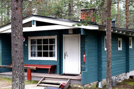 Log cabin (40m2) by the lake - Posio - Zomerhuis/Cottage