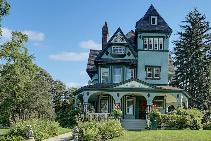 Historic Queen Anne Victorian on the Jersey Shore