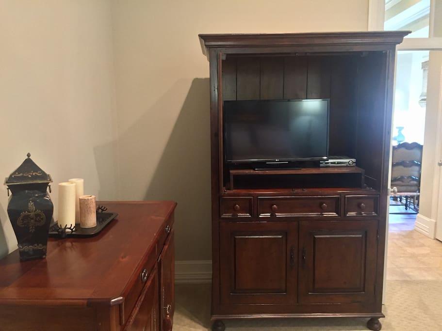 TV/DVD player in bedroom