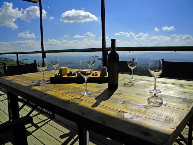 Views, Wildlife and Sunsets at The Castle - Ngong - Dům