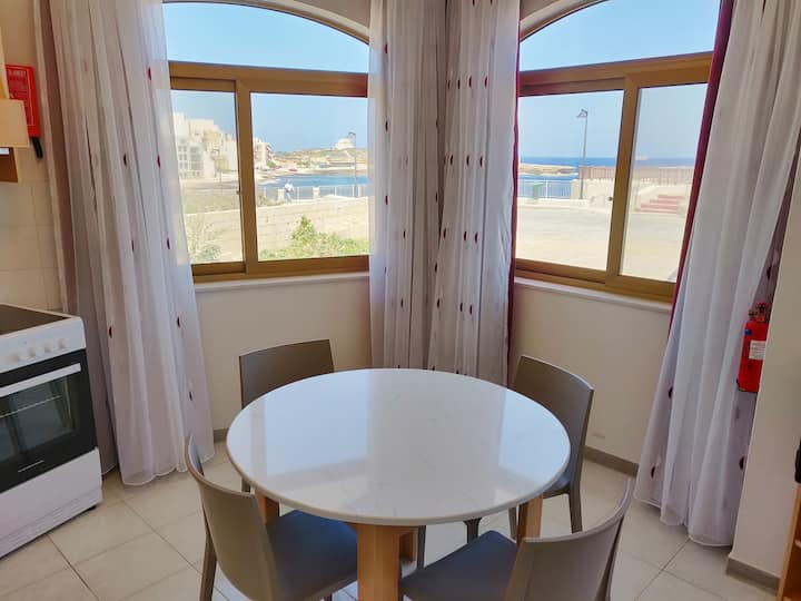 -Seafront Corner Apartment-Fully AirConditioned-D2