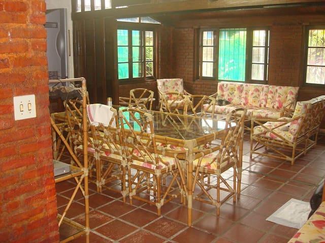 Casa grande e aconchegante em Bertioga - Bertioga - Casa