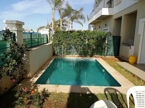 Appartement douillet avec piscine privative