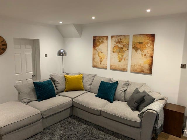Full apartment has just undergone New refurbishment ideal as Place to chill lig out and red a book and relax.