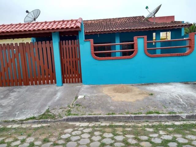 Casa perto da  Praia -  temporada ilha comprida