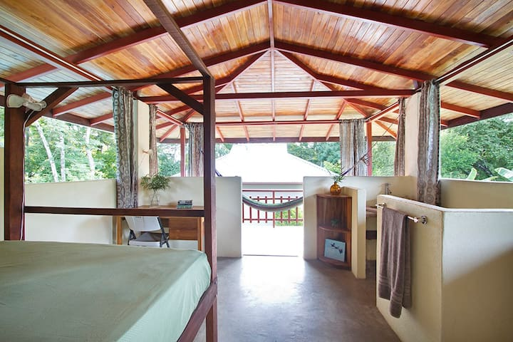 1 Bedroom Cabin in Sombrero - Puerto Jiménez