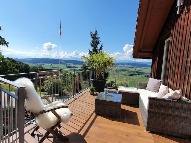 Traumhafte Aussicht vom Hof Aengelberg