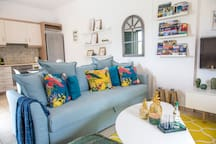 NEW- Oliva Holiday Homes - Exotic and Sunny Studio
